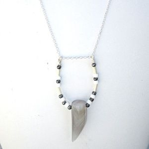 Gray Stone Tooth Pointed Bead Pendant Necklace